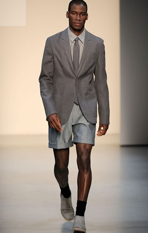 Calvin Klein SS 2010 - The BoyzIIMen look is back!