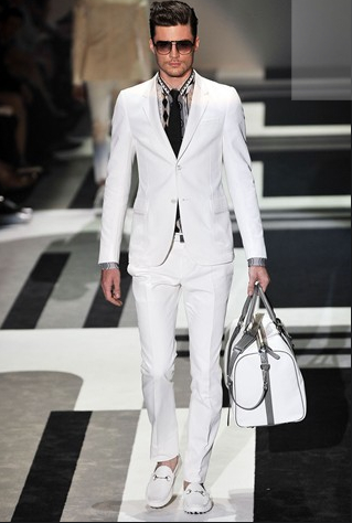 Gucci SS 10 - There's nothing like the power of a white suit!