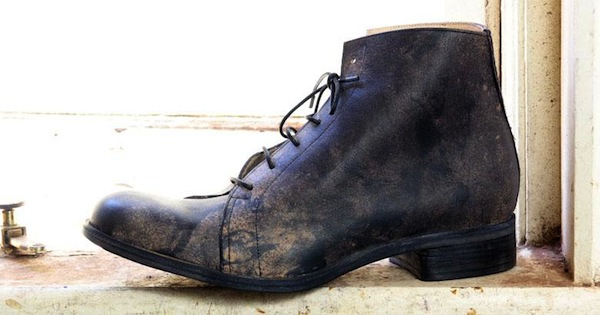 iron filing stained boot