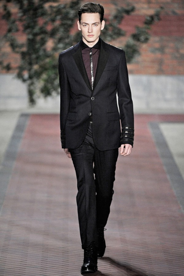 Tommy Hilfiger, you simply cannot go wrong with any items from this brand. Pic Fall12