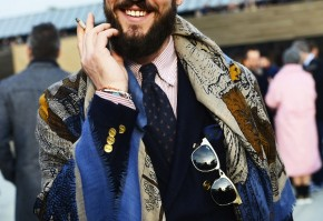 Yup, extra long scarves adn shawls were all the rage at Pitti Uomo