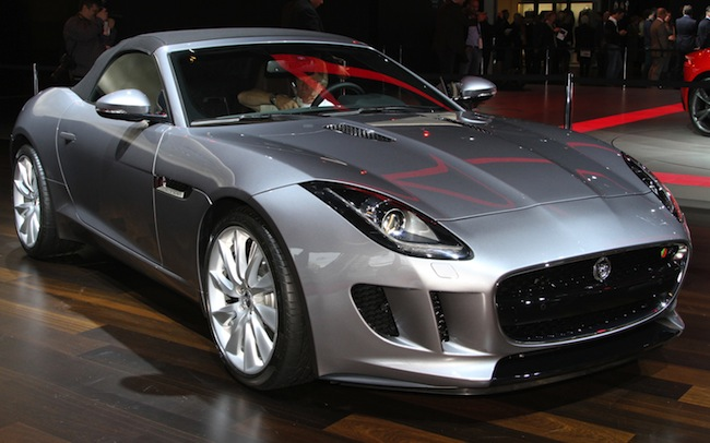2014-Jaguar-F-Type-front-three-quarter