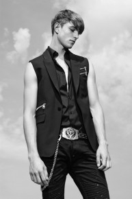 Diesel-Black-Gold-Men-Resort-2015-003