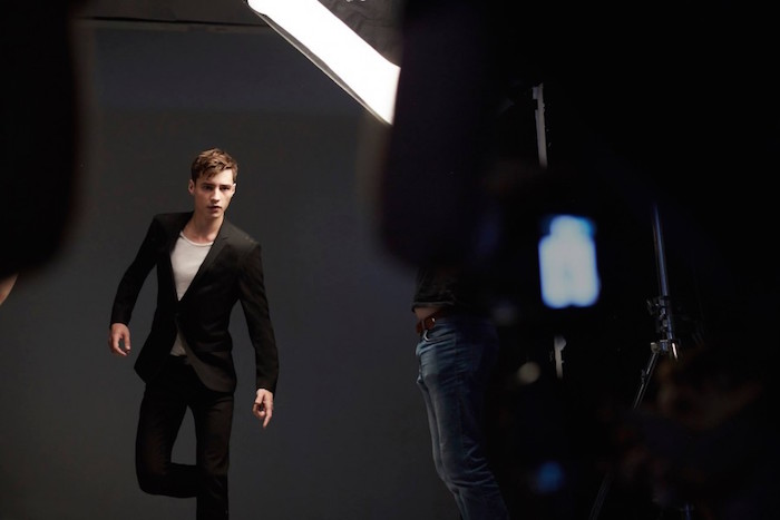 Adrien-Sahores-2016-Behind-the-Scenes-HUGO-Hugo-Boss-Extreme-Fragrance-900x600