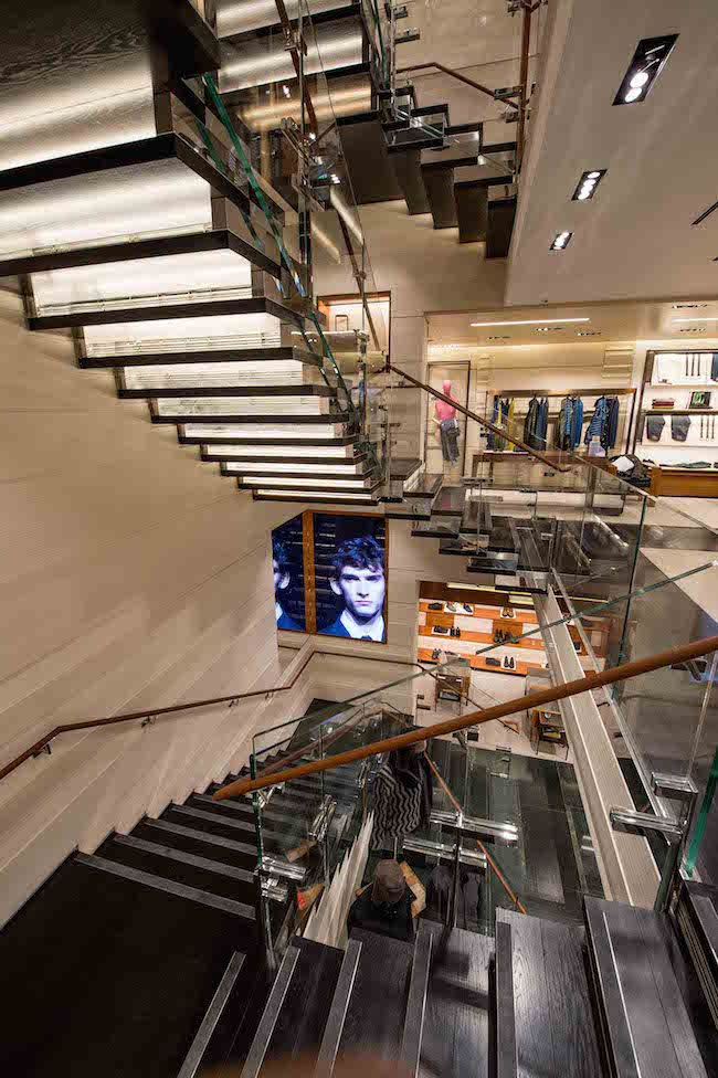 07_nbs-zegna-global-store-stairs